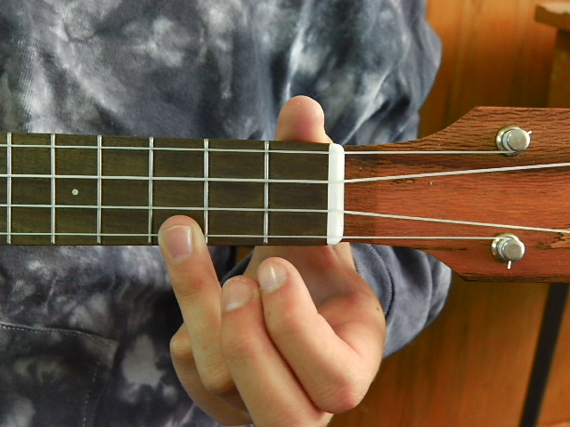 Play A Ukulele Chord The C Chord Ukulele 4 Kids