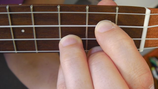 Play A Ukulele Chord The G Chord Ukulele 4 Kids